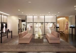 http://retaildesignblog.net/tag/peter-marino/