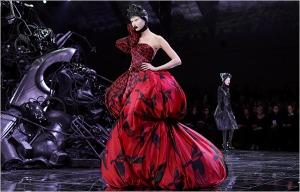 http://style101magazine.blogspot.ca/2012/01/designer-spotlight-x-alexander-mcqueen.html